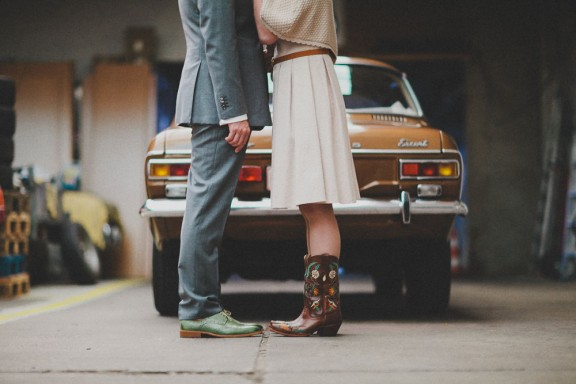 Ariane-and-Nikki-Mirror-Tent-Rockabilly-Wedding-Kama-Catch-Me-Photography-74-of-298-576x384