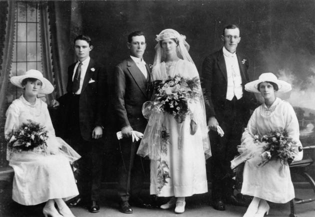 StateLibQld_1_139011_Wedding_portrait,_1910-1920